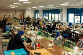 Los talleres del Ejército adaptan su producción a la emergencia sanitaria